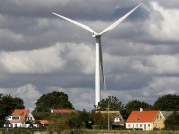vindmølle_nær_hus